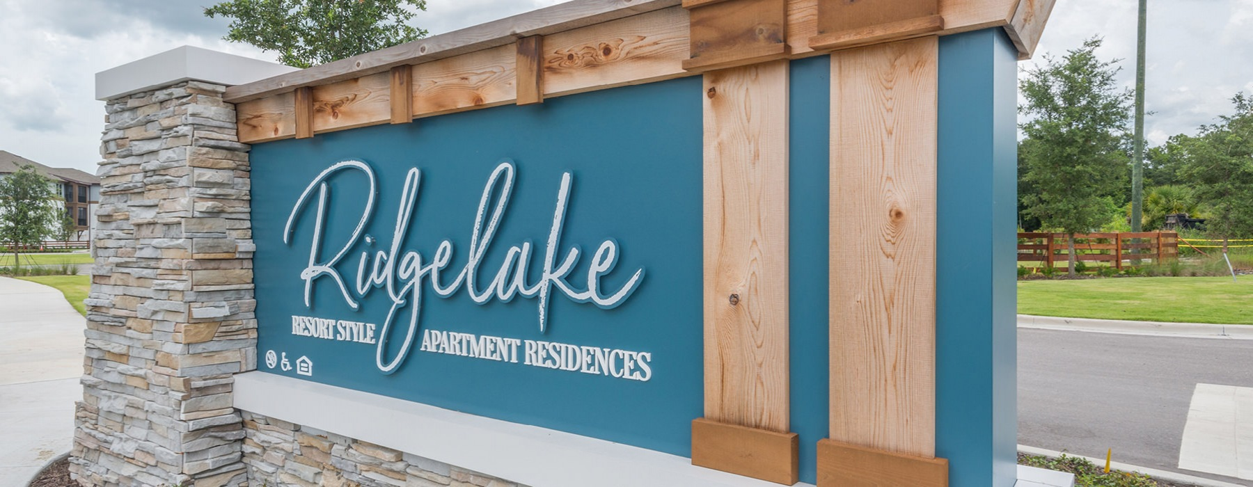 Ridgelake Apartments community sign